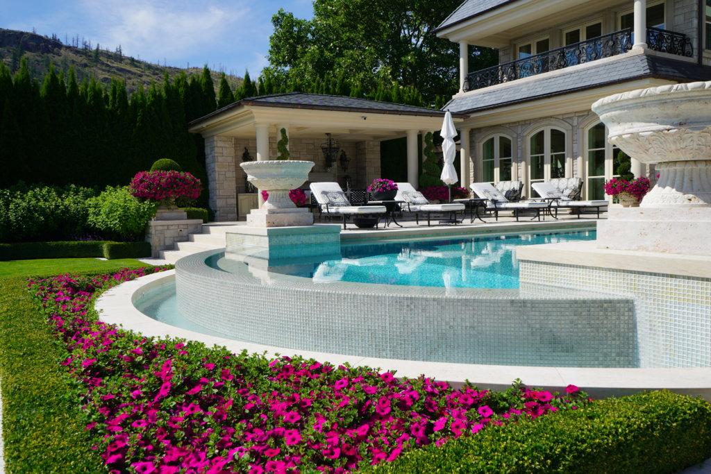 luxury pool in kelowna