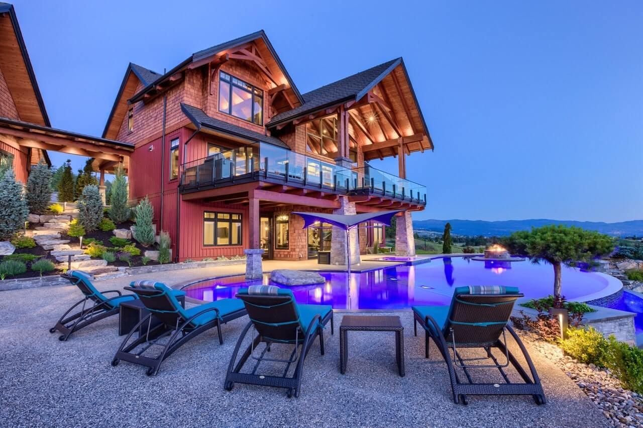 Mansion and pool in Kelowna